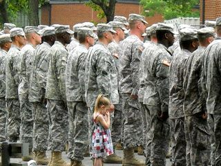 Paige+Bennethum+and+Dad+soldier+hold+hand