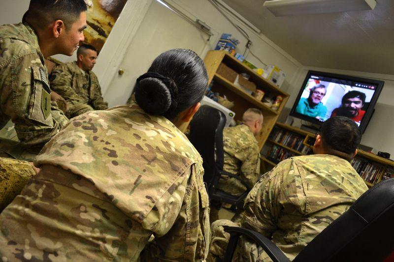 Freddie Roach Skypes with Troops