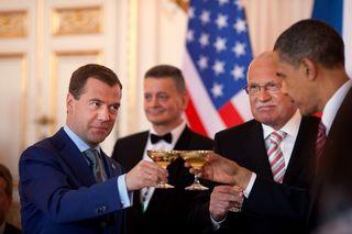 Obama-Medvedev toast