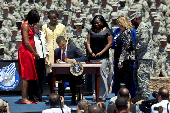 Obama Signs EO