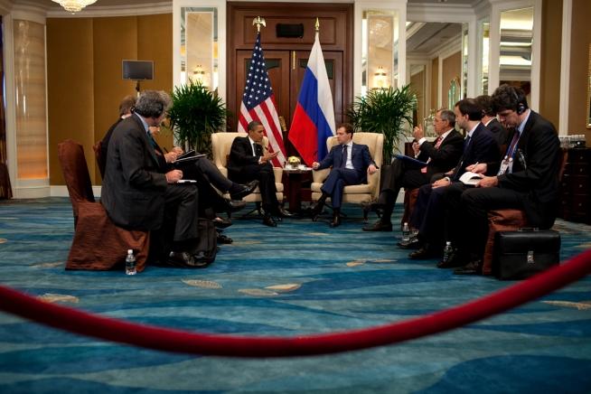 Obama-Medvedev chat 11-19-09
